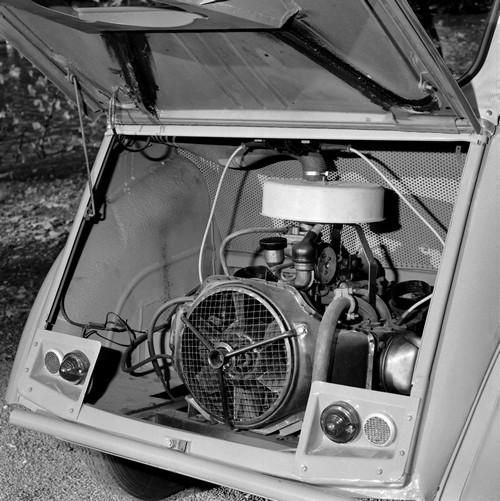 Citroën 2CV Sahara - moteur