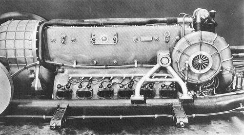 Mercedes T80 - moteur (1)