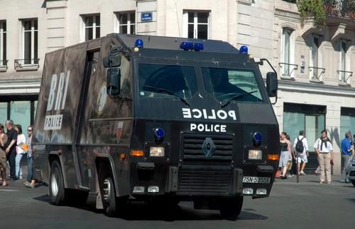 Renault-Trouillet BRI (copyright - préfecture de Police de Paris)
