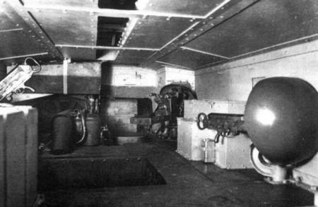Schneider AC1 -  intérieur (1)