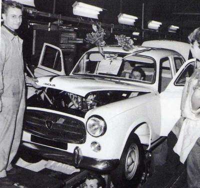 403 familiale l 39 automobile ancienne for Interieur 404