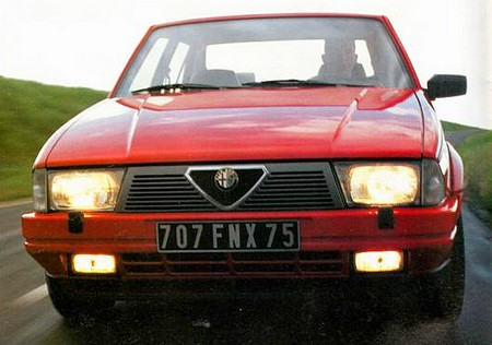 Alfa Romeo 75 (2)