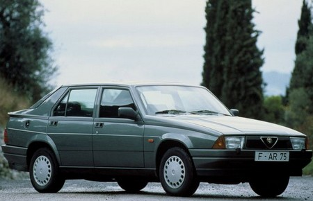 Alfa Romeo 75 (3)