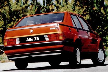 Alfa Romeo 75 (7)