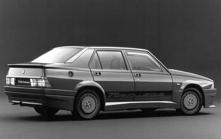 Alfa Romeo 75 Turbo Evoluzione (3)