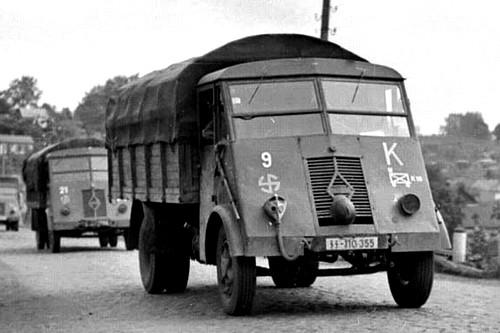 Renault AHN WWII (1)