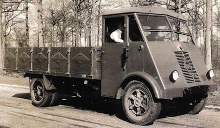 Renault AHN3 (1)