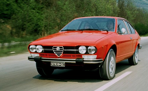 alfa romeo alfetta gtv 1974 1987 l 39 automobile ancienne. Black Bedroom Furniture Sets. Home Design Ideas