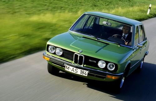 BMW-Serie-5-E12-525-1