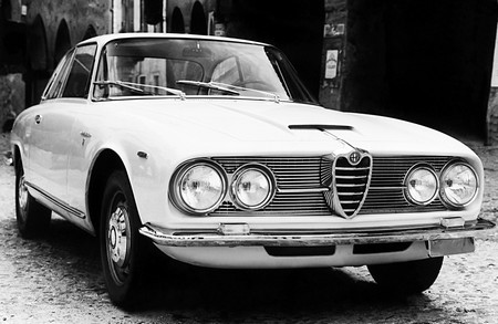 Alfa Romeo 2600 Sprint (9)