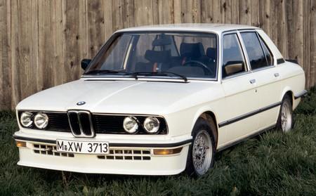 BMW E12 535i (2)