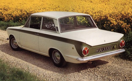 ford-cortina-lotus-7