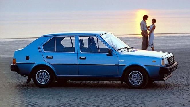 Volvo 345 (1)