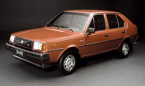 Volvo 345 (2)