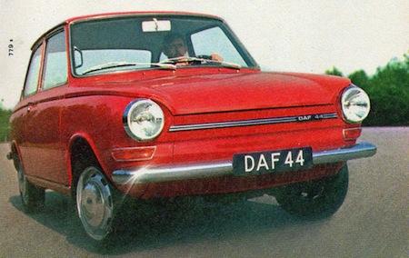 DAF 44 rouge