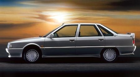 Renault 21 Turbo (9)
