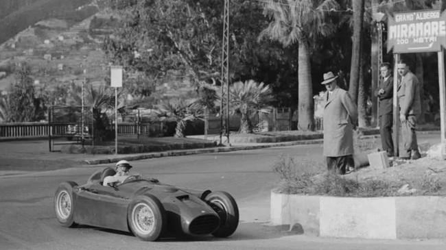Lancia D50 - san remo 1954 (1)