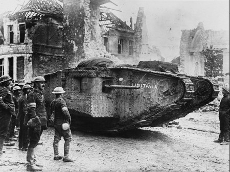 """15 septembre 1916""  Les chars arrivent . Tank-Mark-I-1"